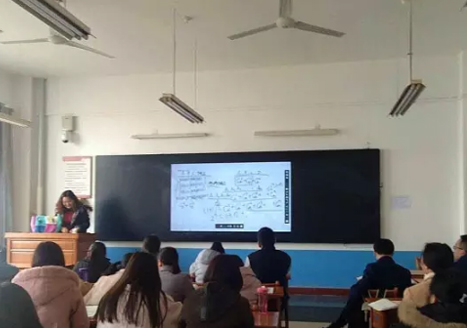 陕西渭南师范学院互动黑板应用案例